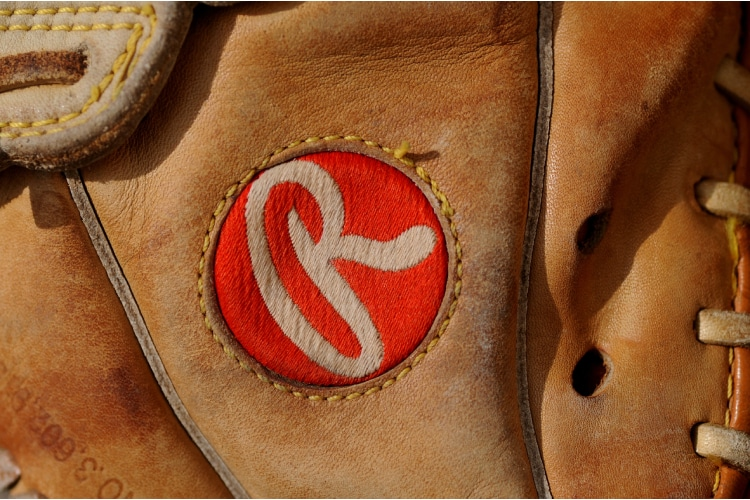 2nd Baseman Glove Brand