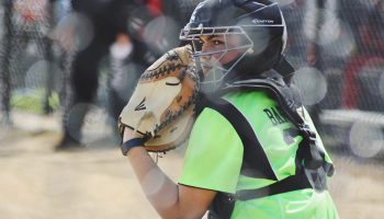 Difference Between Fastpitch and Slowpitch Softball Games