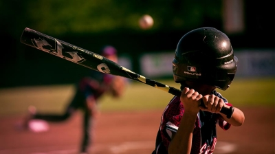 How to grip a baseball bat (Complete Guide)