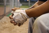 How to clean a baseball batting gloves? 2 Simple way to do