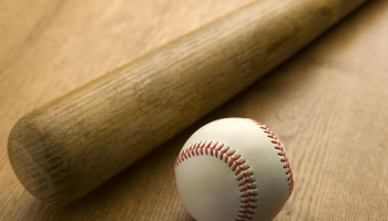 Best Youth Wooden Baseball Bats with the Most Pop in 2021